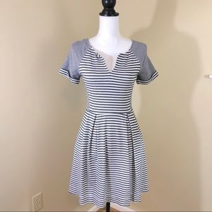 Striped Fit N Flare dress with pockets sz Small